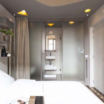 DestinationBCN Room No1 view of the room and the bathroom