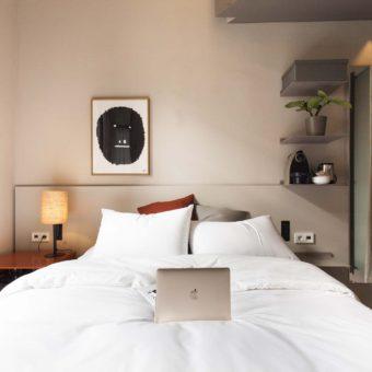 DestinationBCN Room No1 bed