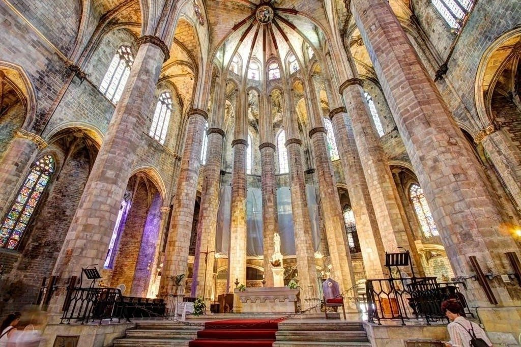 Santa Maria Del Mar church in Barcelona interior